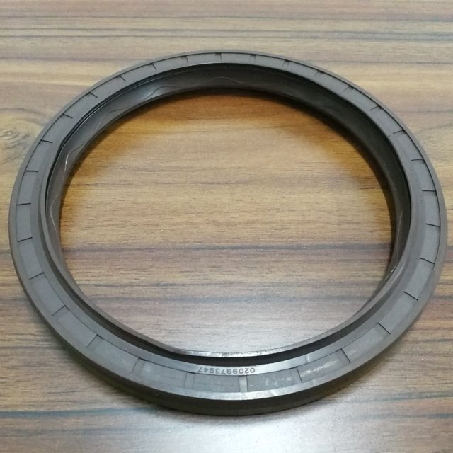 BENZ and MAN oil seal rear wheel oil seal (divided body)145*175*14 / 145*175*13
